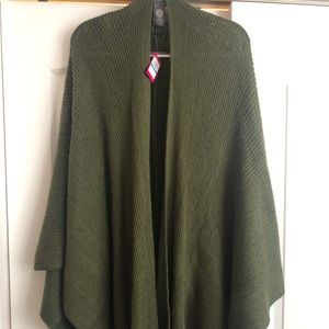 Vince Camuto Olive green sweater cape